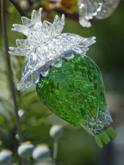 Incredible glass flowers designed and constructed using for Recycled glass flowers