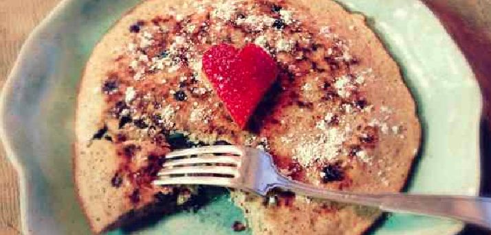 A Tone It Up Team favorite, the Perfect Fit Pancake recipe that is the best way to start your day. We also included some tips and tricks to make sure that you can enjoy your pancakes all day long :)