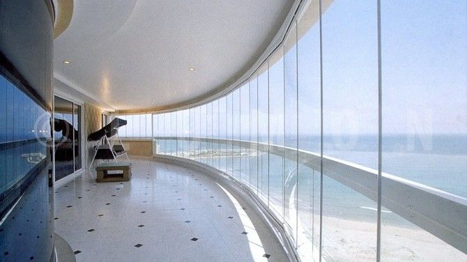 Disfruta tu balcón todo el año con el sistema  Cierre de Cristal Plegables Lumon, con diseños vanguardistas, elegante y con vista panorámica. Conoce nuestro catálogo.