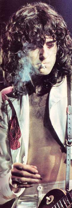 Jimmy Page 1977 Effortlessly cool, the epitome of a true rock star...