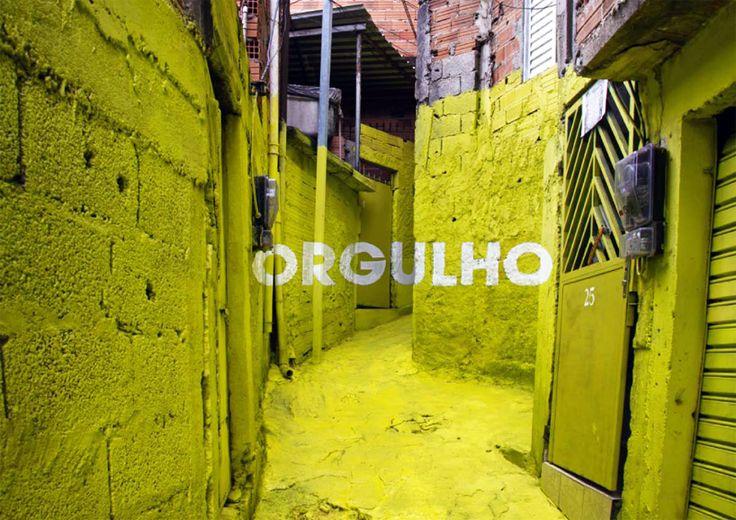 floating graffiti participatory favela project by boa mistura