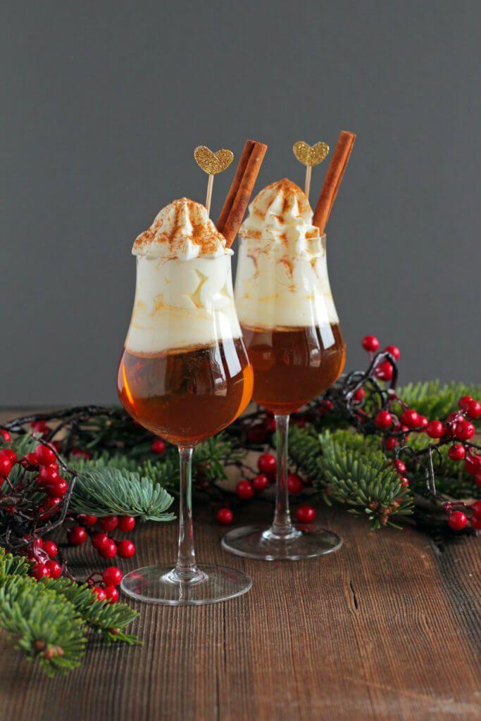Hot apple amaretto   – Winter Rezepte
