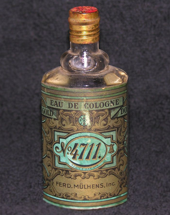 I own a bottle of this...knew the owner as an exchange student in his teens: No 4711 Perfume, Colors Combos, Vintage Perfume, Packaging Design, Bottle Packaging, Vintage Packaging, Perfume Packaging, Blog Pictures, Design Blog
