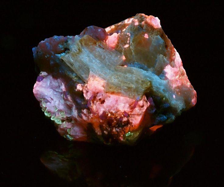 59 Best Rocks Images On Pinterest Gemstones Crystals