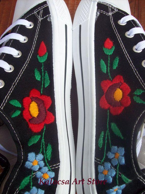Bordado de zapatillas Kalocsai por KalocsaArtStore en Etsy