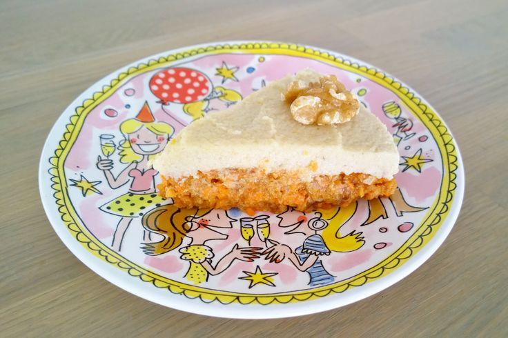 Vandaag een recept dat eigenlijk uit twee van mijn favoriete recepten bestaat: carrotcake en zuivelvrije cheesecake. En wat krijg je als je de nr. 1 en nr. 2 uit de taarten top3 combineert? Juist,...