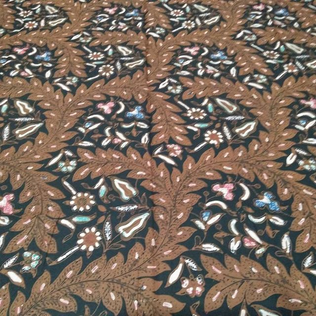 Batik Sogan Klasik Ukuran 2M Tanpa Tumpal Sms/ WA 082329397424