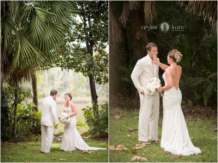 Aislinn Kate Photography | first looks | wedding dress | gown | wedding gown | bride and groom | wedding hair