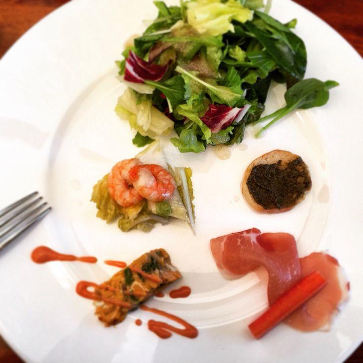 近くのイタリアンにて昼食。 旬の野菜、白菜を使ったマリネが美味しかったです。  #japan #lunch #photograph#daily #instagood#ランチ#イタリアン#カフェ