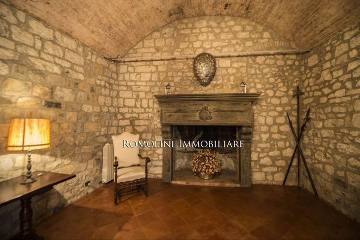 LUXURY ITALIAN PROPERTY FOR SALE IN ITALY. LUXURY REAL ESTATE FOR SALE IN ITALY. TUSCANY VILLAS, VILLA IN UMBRIA, ITALY, LUXURY PROPERTIES FOR SALE. Exclusive affiliate of Christie's International Real estate. #italianproperties