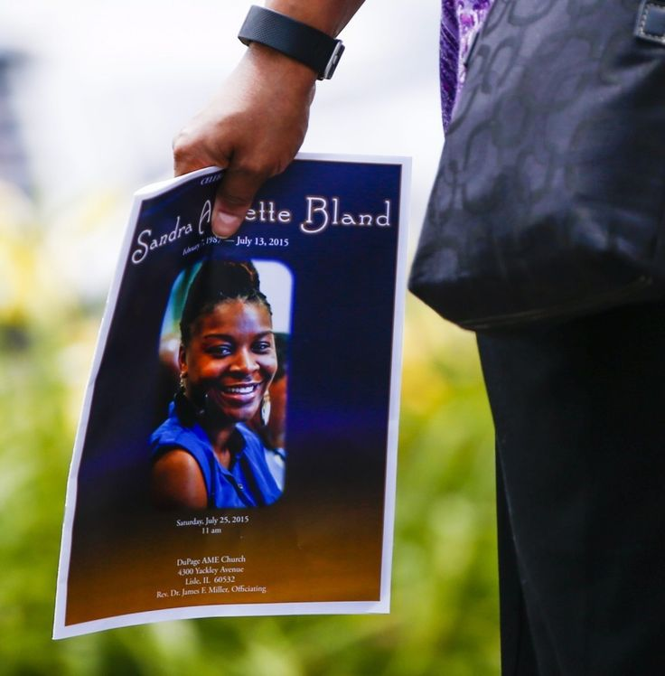 How the lack of police 'discretion' killed Samuel Dubose and Sandra Bland - Peaceful resolution isn't just the right thing to do — it's the very purpose of policing.