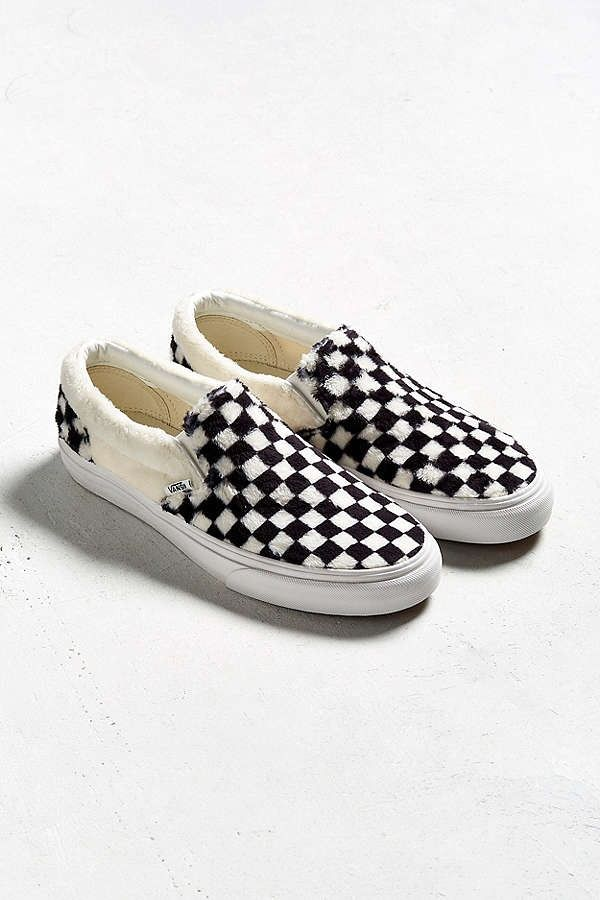 Vans Slip-On Checkerboard Sherpa Urban Outfitters Fluffy Cozy Furry Fur  White Black 81b4b4911