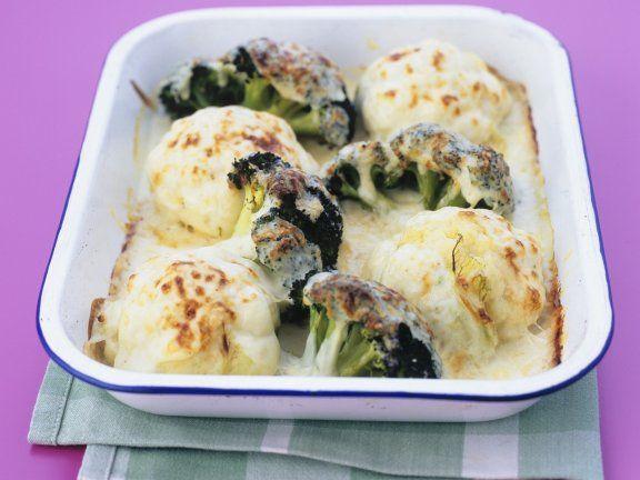 Mit Käse überbacken schmeckt das Gemüse noch besser: Gratinierter Blumenkohl und Brokkoli  