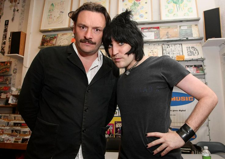 Julian Barratt and Noel Fielding will be rebooting The Mighty Boosh to please the show's cult following this year, despite reports