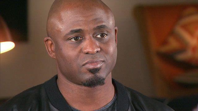 "#depression   1 in 4 struggles with depression...there is help.  Wayne Brady opens up to ET about the ""complete breakdown"" he suffered on his 42nd birthday."