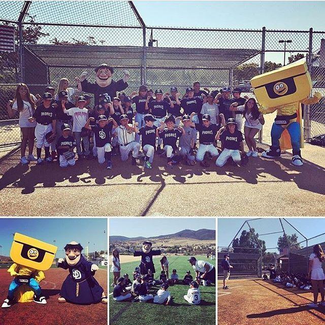 Repost! We had a great day at @Padres baseball camp! Do you see anyone familiar? 😄  #chuze #chuzefitness #padres #padsquad #chuzeuman #fitness #fitfam #baseball #mlb #friar #instalike #instadaily #sandiego #california