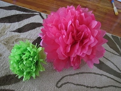 DIY Tissue Paper Flowers, when you learn how to make flowers out of tissue paper you will never buy Fake Silk Flowers again. I did this beautiful wire flower decoration for my apartment and am in love with it!