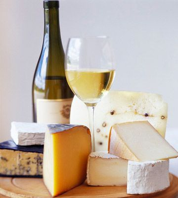 How to Buy Cheap, Quality Wine for a Party from Better Homes and Gardens
