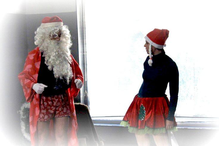 Sana's red suit // o fato vermelho do pai natal
