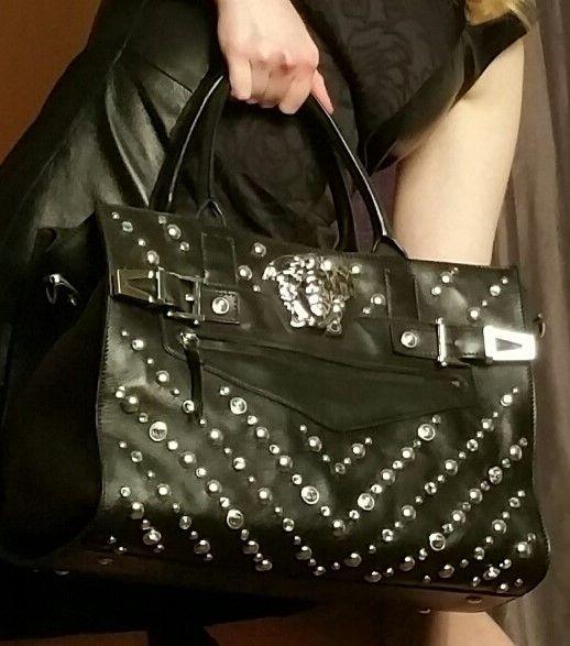 Grand sac à main clouté en cuir : Coups de Coeur : Achetez des articles de luxe neufs certifiés