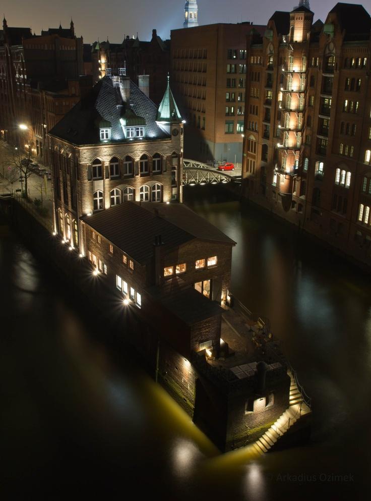 Wasserschlößchen, Speicherstadt, Hamburg   weitergepinnt von der #Werbeagentur www.BlickeDeeler.de aus #Hamburg