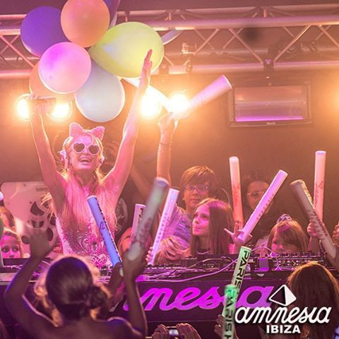 #FoamAndDiamondsForKids at @amnesiaibiza w/ #Top100DJ #DJ P @ParisHilton! Tix @FoamAndDiamonds / @FoamAndDiamondsKids: https://tickets.amnesia.es/parishilton_list/#sf-events  #Amnesia #AmnesiaIbiza #APNEEF #Beauty #CashMoney #Charity #Creamfields #Dance #Designer #DJs #DJMag #EDM #Fashion #FashionKids #FoamAndDiamonds #FoamParty #HighOffMyLove #HouseMusic #Ibiza #Ibiza2015 #ItGirl #Love #Model #Music #Nightclubs #ParisHilton #ParisHiltonJuniorCollection #PartyWithParis #PDiamond