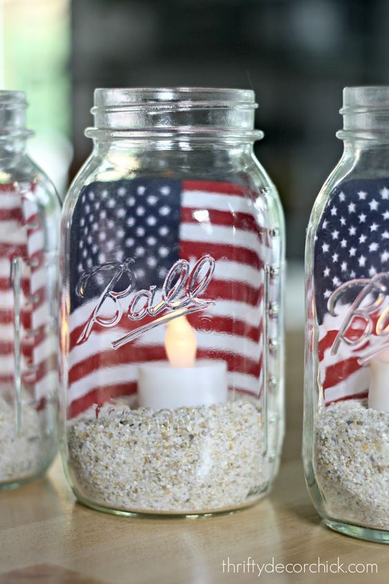 Fourth of July candle ideas / http://www.himisspuff.com/red-white-and-blue-4th-of-july-wedding-ideas/7/