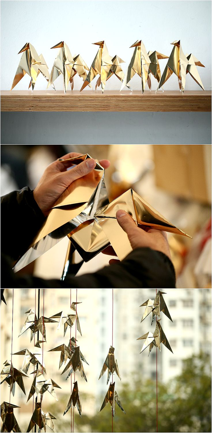 The display of origami horses was designed by acclaimed Belgian artist Charles Kaisin to celebrate the Chinese New Year. While saying good-bye to the year of the #horse, the 11 m high installation was custom-designed in the shape of a goat to welcome the arrival of the #Chinese year of the goat. All the #horses were hand folded using #gold foil, representing #fortune, and hung on #red string, representing #happiness and #prosperity in the coming year.  #art #creative #origami #talent #DIY…