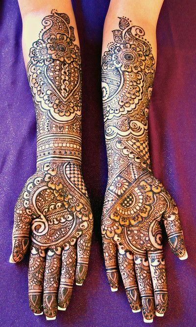 There is more than one kind of bridal mehendi.