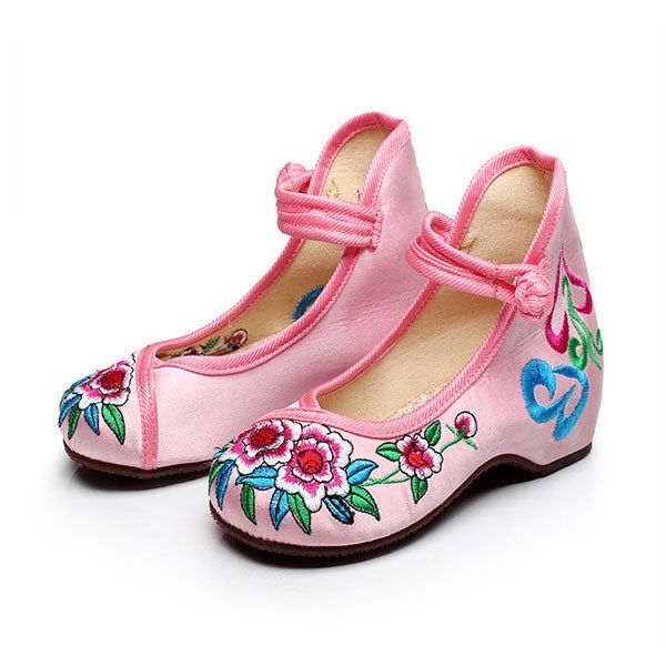 Girls Flower Chinese Silk Embroidered Casual Footwear Flat Dancing Shoes