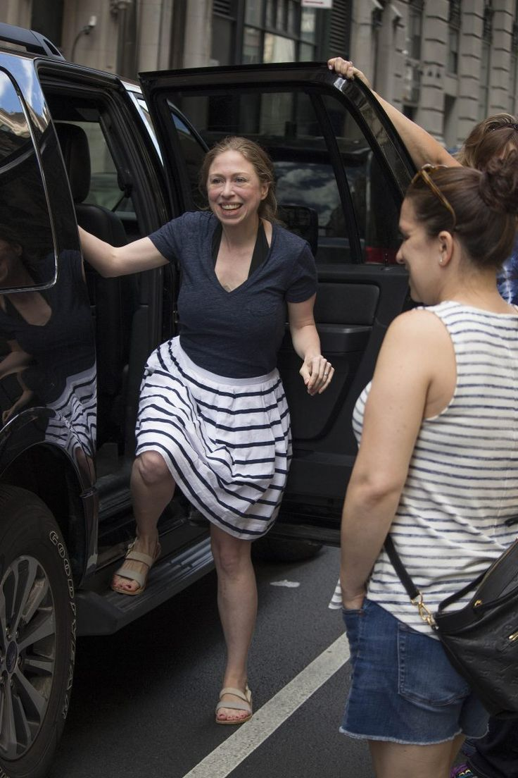 Chelsea Clinton Has Received Another Award, This Time For Bagging Grapefruits…   Weasel Zippers