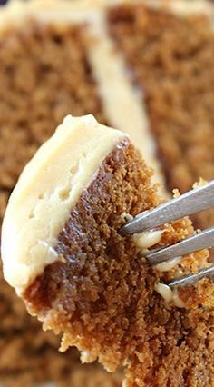 Gingerbread Cake with Molasses Cream Cheese Frosting Pinterest ;) | https://pinterest.com/cocinadosiempre/