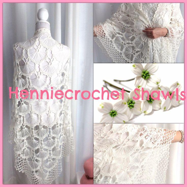Blij om mijn nieuwste toevoeging aan mijn #etsy shop te kunnen delen: Gehaakte (bruid) sjaal, bruiloft omslagdoek, wit ragfijn, kant, bruiloft, bolero, bruidsstola driehoek sjaal, waaiers, viscose met merinowol #accessoires #sjaal #bruidsmode #bruidssjaalgehaakt #wittekantensjaal #bruiloft #witteomslagdoek