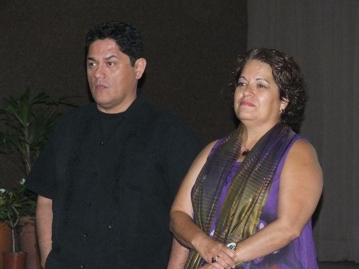 Oscar Reyes y Dra Libertad Diaz Molina en el Planetario Kayok con la conferencia de Vulnerabilidad Social cancunense