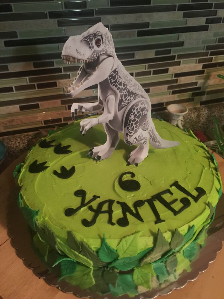 Lego Jurassic World Cake Images : 17 Best images about Tommys 5th birthday on Pinterest ...