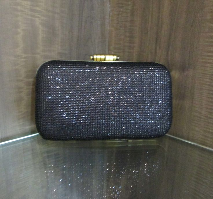 #black #sequins #frame #box #clutch #fashion #purse #pretty