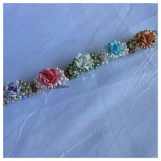 Bracciale con rose, perle e swarovsky