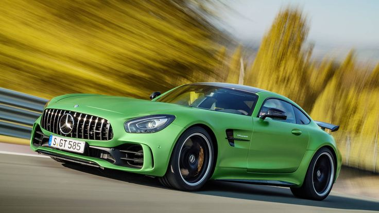 Hope someone can buy the all new Mercedes-AMG GT R. The Panamericana front with the lightning green colour makes this model hotter and hotter!