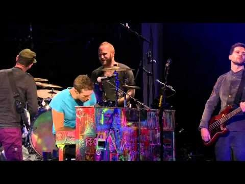 Coldplay - Politik (UNSTAGED) Very, very good