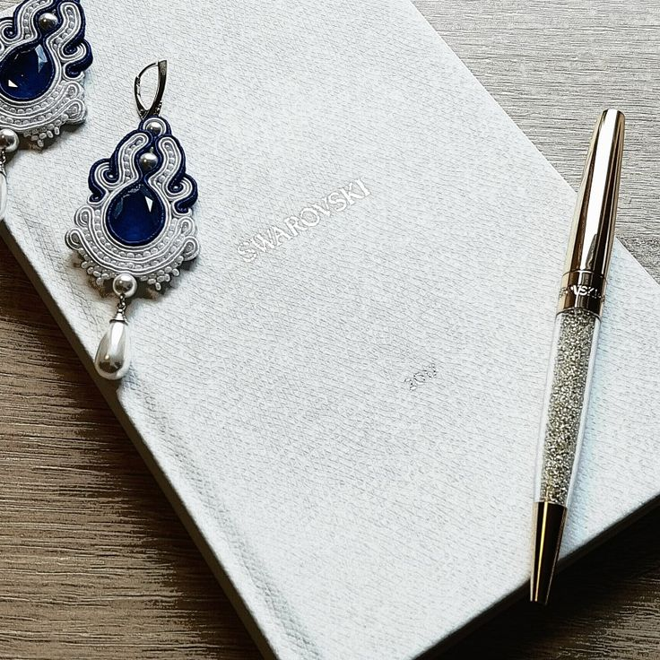 Agne Linarte jewelry & accessories, wedding earrings embellished with crystals from Swarovski and silver findings.