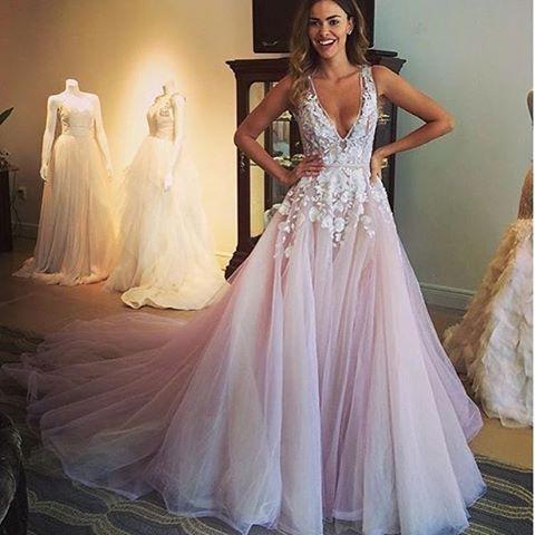 gelinlikbu:  Tül gelinlikler #gelinlik #gelinlikmodelleri... #dress #cute #fashion #modern #design #dresses #gown #prom #longdress #shortdress #cute #dresses #wedding #party #girl #women