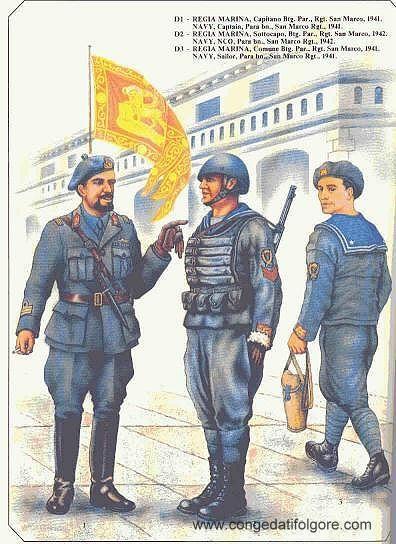 Libro con fotografie delle uniformi delgli eserciti del regno d'Italia