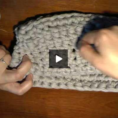 Cómo hacer un bolso de mano de trapillo (paso a paso con video) - Portaldelabores.com   Portal de labores   Directorio de labores   Portal d...