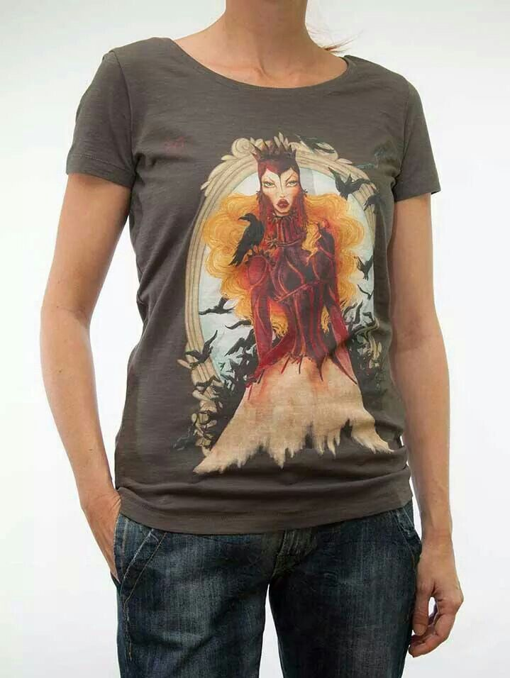 Shirt Wicked queen. Eclusive print of missimissimadrid by die katze. 100% flame organic cotton