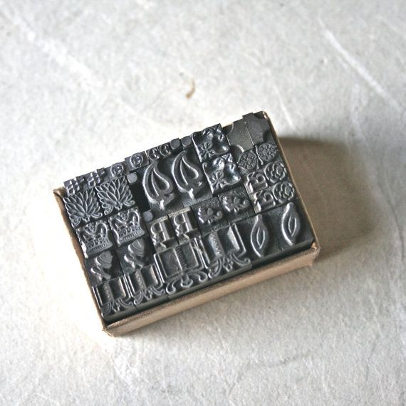 Printers Type Ornaments or Dingbats in Pairs by ReminiscencePapers