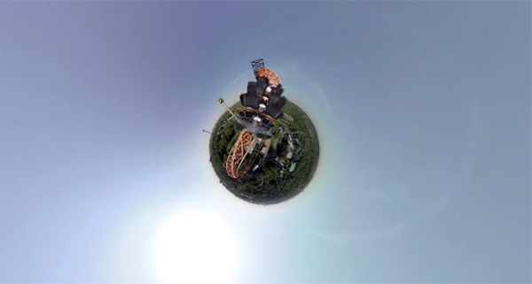 Een achtbaan in 360 graden