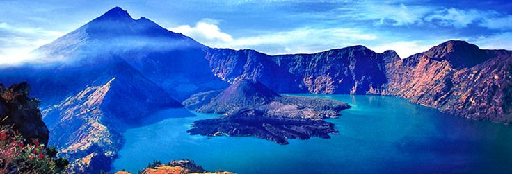 Top destination in Lombok for those who love mountaineering. Rinjani and its Segara Anak Lake.