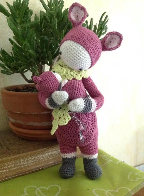 KIRA the kangaroo made by Daniele L. / crochet pattern by lalylala