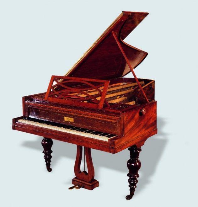 Fortepiani a coda e a tavolo, eleganti arpe del Settecento e dell'Ottocento e antichi salteri: sono alcuni degli strumenti musicali d'epoca provenienti