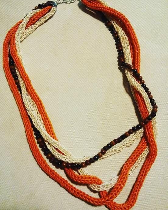 Collana cotone e perline